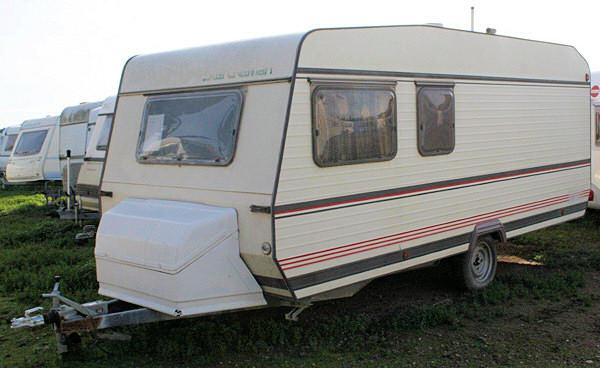 vente caravane sterckeman ly 506 gardiennage de la grande prunette. Black Bedroom Furniture Sets. Home Design Ideas